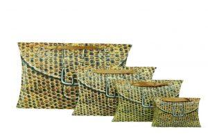 001. Verpakking pillow snake licht bruin (25 st.)
