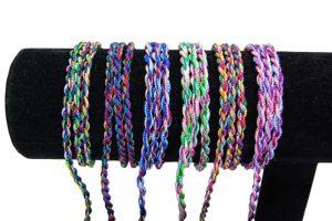 028. Armbanden diverse kleuren