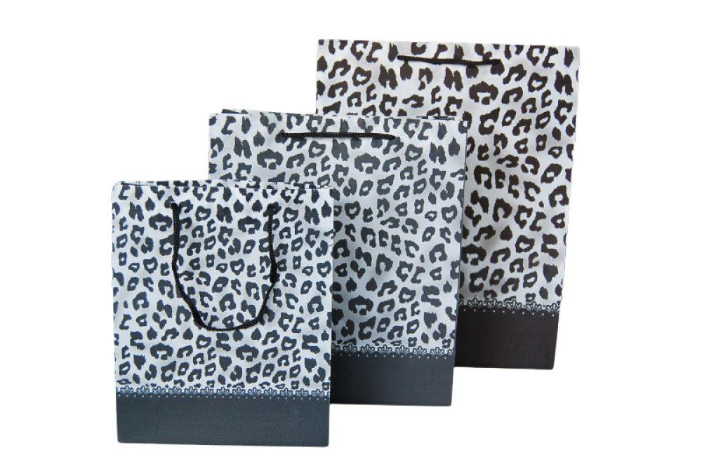 Non woven panter print zwart/wit
