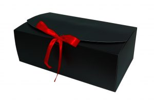 006. Box zwart met rode strik 2018 (20 st.)