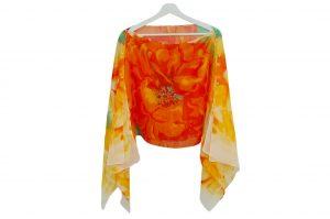045. Poncho flower oranje