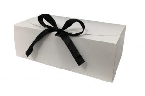 Box – box hoogglans wit met zwarte strik (25 st.)