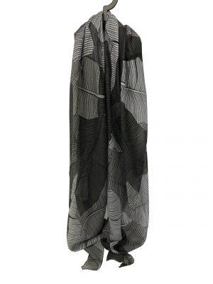 030. Sjaal blad grijs