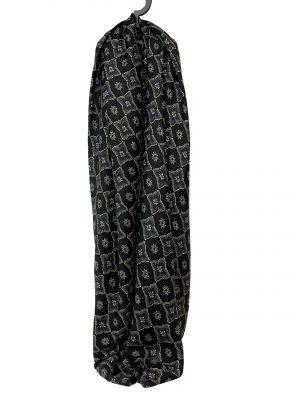 030. Sjaal bloem/ ruit zwart
